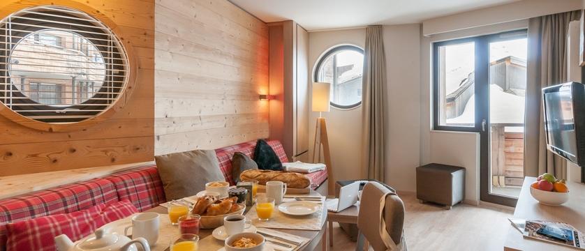 france_avoriaz_les-crozats-apartments_bedroom2.jpg